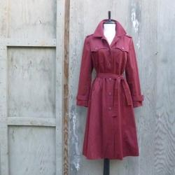 1970s Classic Trench Coat in Brick Red