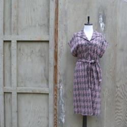 1960s Houndstooth Belted Midi Dress in Grey and Pink